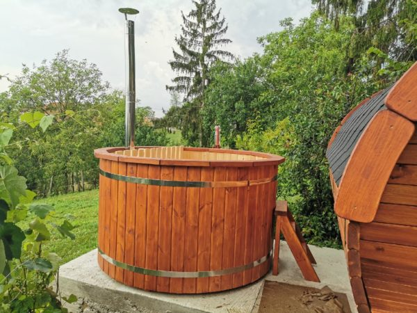 Badezuber-Hot-Tub-Tynnyri-Sauna-com
